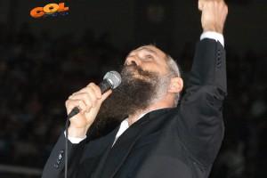 אלפים במופע זמר חסידי ב'יד אליהו'