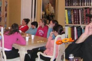 הרב צייטלין התוועד עם בנות הסמינר בפורט מיירס