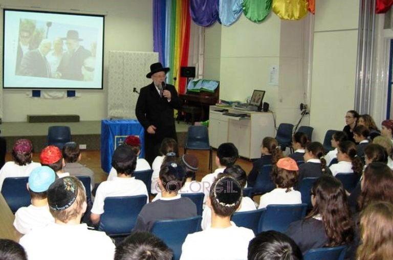 הרב לאו סיפר על הצלתו בשואה לילדי הונג-קונג