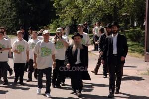 פרלמן התרגש למראה הרבנים ורקד עם החניכים