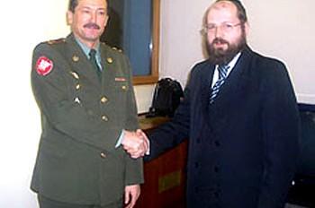 מוסקבה: הקולונל והשליח יפגשו ביום הגיוס