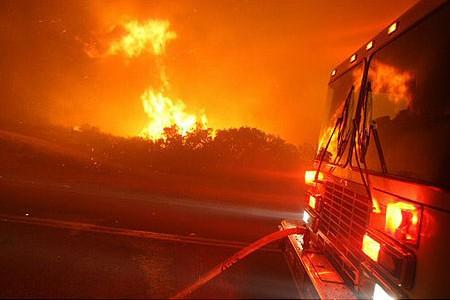 מי שרף את קליפורניה?