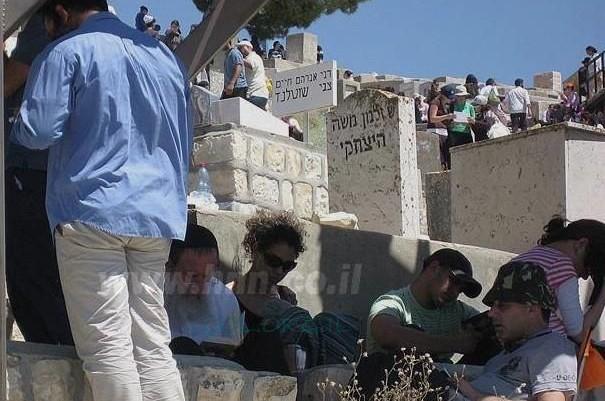 מדוע פקדו אלפים את קברו של ר' זלמן משה זצ