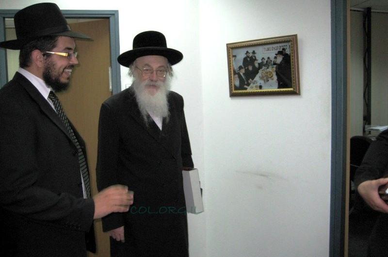 הרב בנימין אדלר אורח במשרדי מרכז רבני אירופה