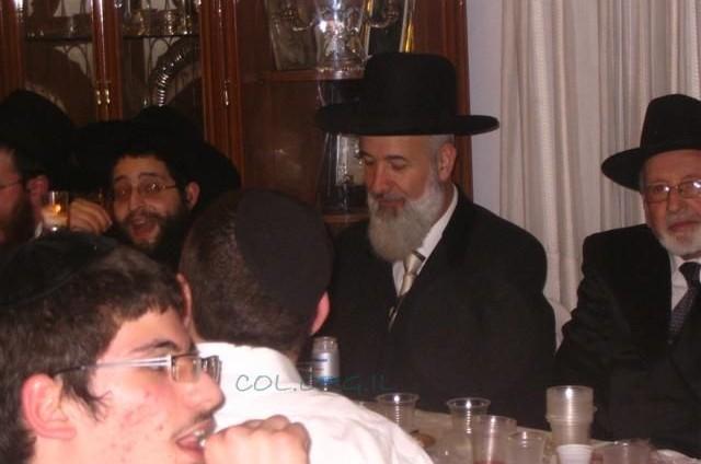 הרב מצגר השתתף בסעודת פורים של ישיבת חב