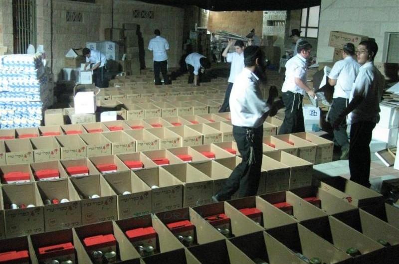 תלמידי הישיבה בבני ברק נרתמו למבצע חלוקת מזון