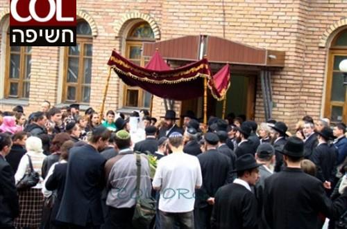 השפעת הגיעה לאוקראינה: בתי הכנסת מתרוקנים