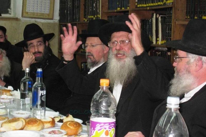 זקני החסידים התוועדו לרגל י' שבט בירושלים