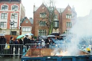 קראון הייטס שרפה את החמץ בגשם שוטף ● גלריה