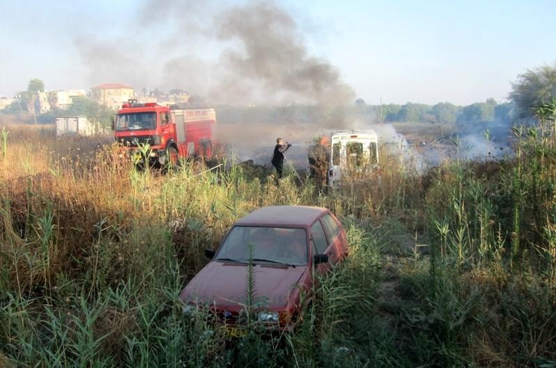 בעקבות החום: שריפת קוצים בכפר-חב