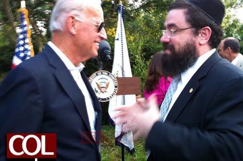 בצל שיחות השלום: שליח הרבי בוושינגטון נפגש עם סגן הנשיא