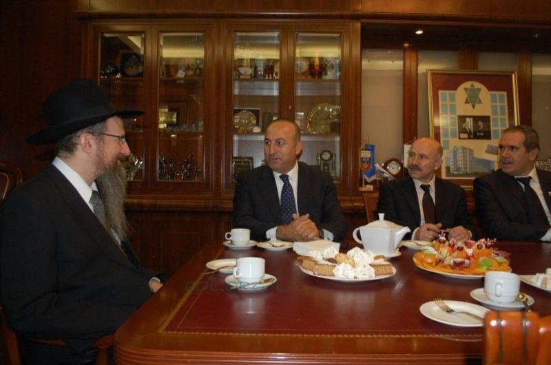 נשיא הפרלמנט האירופאי הזמין את הרב לאזאר לנאום בפרלמנט