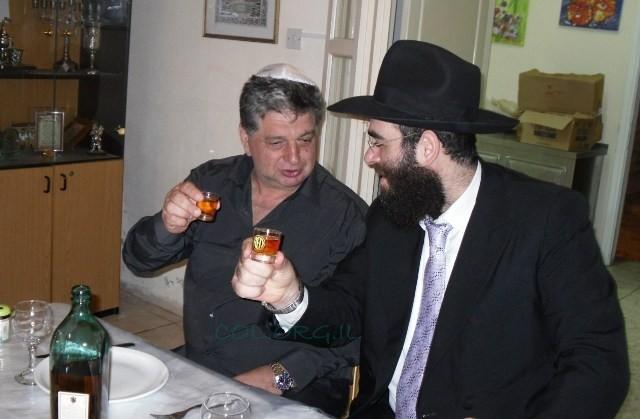 הקהילה היהודית בקפריסין חגגה יום הולדת לשליח