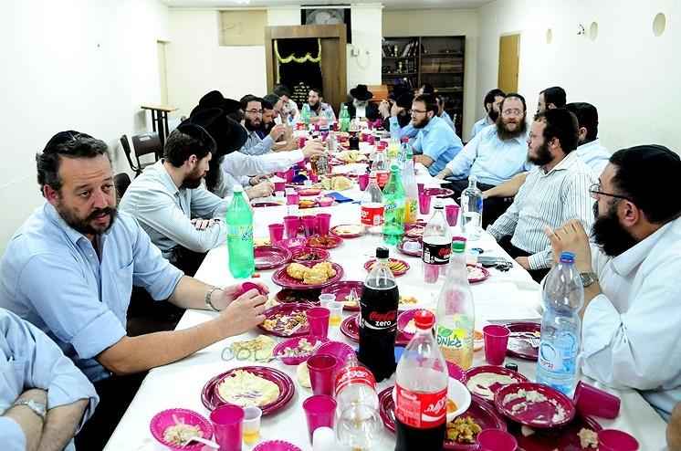 רייטשיק שול: אברכי כפר חב