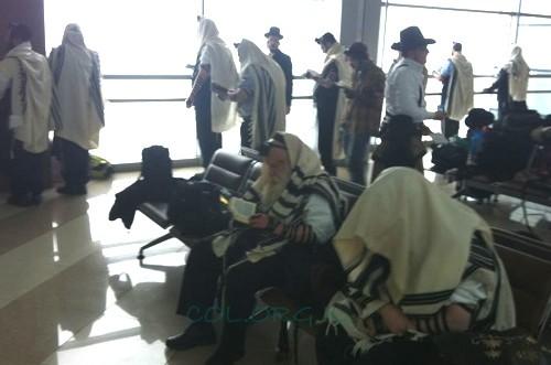 'אירוסויט' הפסיקה טיסותיה לישראל: מאות תקועים בקייב