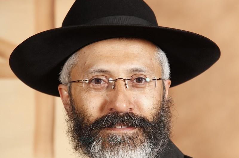 הרב ישראל מפעי השיב לגולשים בנושא שידוכים ● שו''ת מרתק
