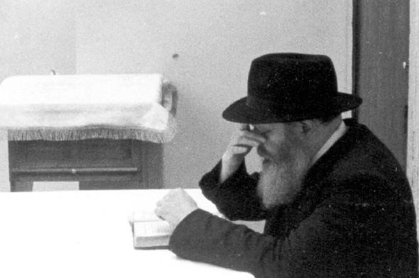 הרפורמים הראשונים היו עובדי עגל הזהב ● מכתב של הרבי