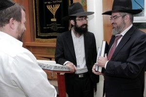אורח בכולל ערב 'מענדל'ס שול': ראש הכולל לדיינות מירושלים