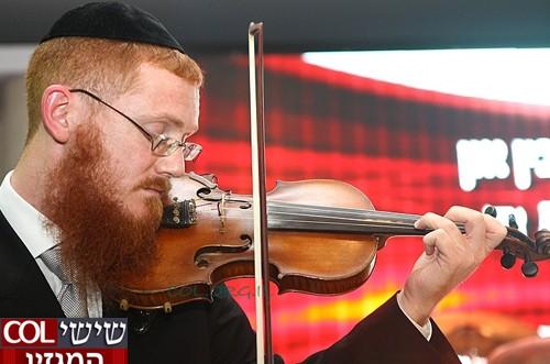 כך מקרב שליח באמצעת הכינור ● ראיון מיוחד
