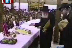 כיצד הגיב הרבי למראה עוגה שהונחה על שולחנו? ● וידאו