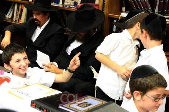 האם נכון להביא לבית הכנסת ילדים המפריעים לתפילה?