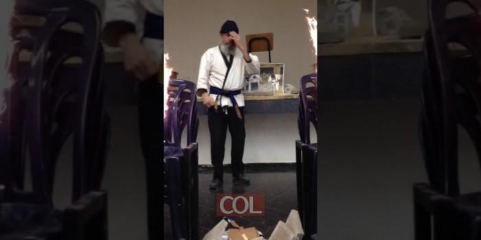 פישל גייקובס בהופעה ילדי מרחביה בחנוכה