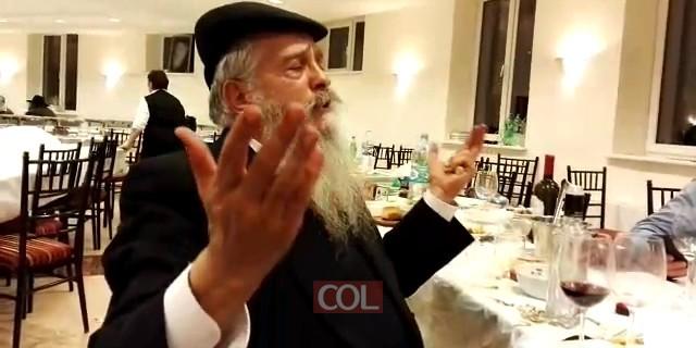 הרב מענדל דייטש מלמד את ניגון סלאוויטא