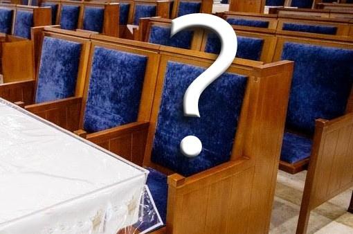 כמה עולה כיסא לחג? תכינו את הכיסים • ומי לא גובה תשלום?