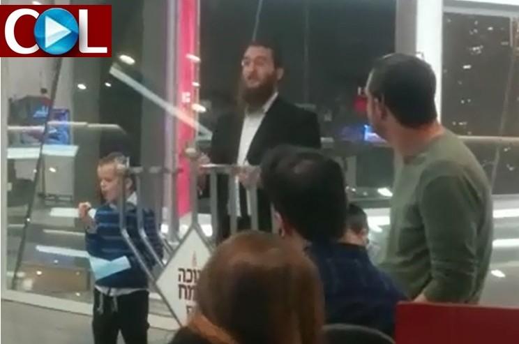 פרסומי ניסא בערוץ 2: הדלקת נרות עם עובדי מערכת החדשות