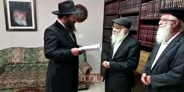 ר יוסף אבוהב מקבל את הפנים של תושבי כפר חבד