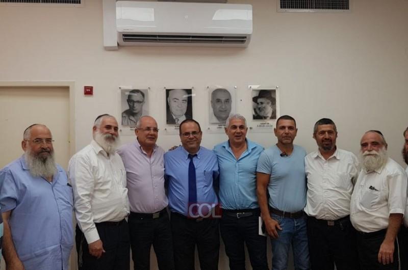 שר התקשורת איוב קרא ביקר בכפר חב