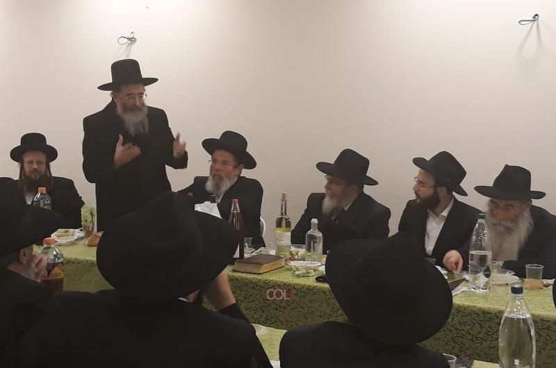 אחווה בנתניה: רבני העיר והשלוחים ב'שבע ברכות' למשפ' וולפא