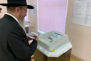 מוסקבה: הרב והשליח הראשי הצביע בבחירות לעירייה