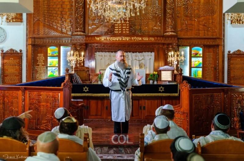 איך יהודי יידע מה עושים ביום כיפור? בשביל זה יש 'יהדותון'