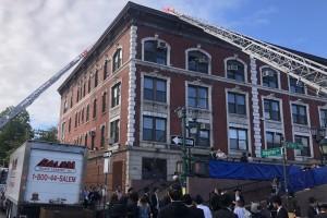 באמצע שחרית: שריפה פרצה ב-770; האלפים פונו מהבניין