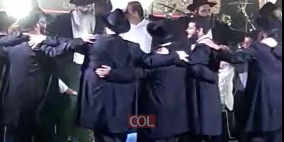 שמחת בית השואבה בכפר סבא עם הזמר החסידי אברהם פריד, נחתמה בריקודים סוערים: כך זה נראה