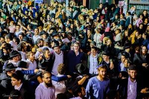 עד שש בבוקר: אלפים מקפצים בשמחת בית השואבה בשכונה