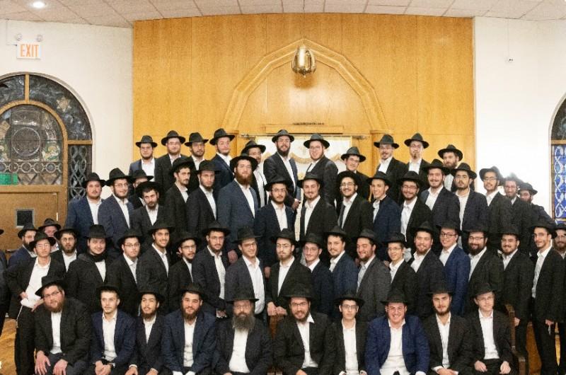 התלמידים השלוחים משלושים ישיבות בתבל התכנסו בניו יורק