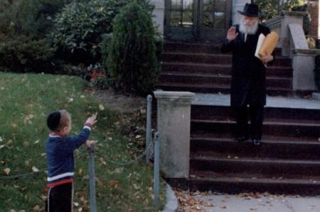 מה ענה הרבי לאב המודאג מיכולתו לפרנס את משפחתו?