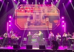 הלילה בפאריז: גדול הזמר החסידי ר' אברהם פריד מבצע את 'אבא של כולם', במופע משותף ונדיר מסוגו עם מרדכי בן דוד. צפו: