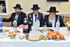 קראון הייטס: שמחת ה'ווארט' של משפחות אלפרוביץ - כהנא