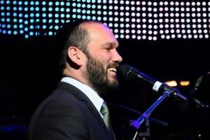 לקראת אלבום 5: יונתן רזאל בסינגל שביעי בסדרת 'צמאה'