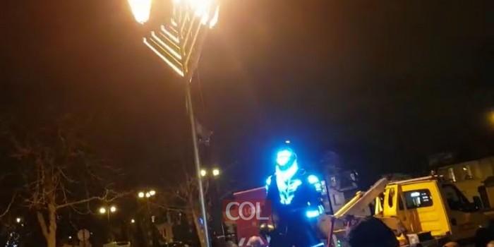אורות בסאן מור: הדלקת נר ראשון של חנוכה בסאן מור שעל יד פריז בצרפת, בניהול השליח הרב הרשי דרוקמן