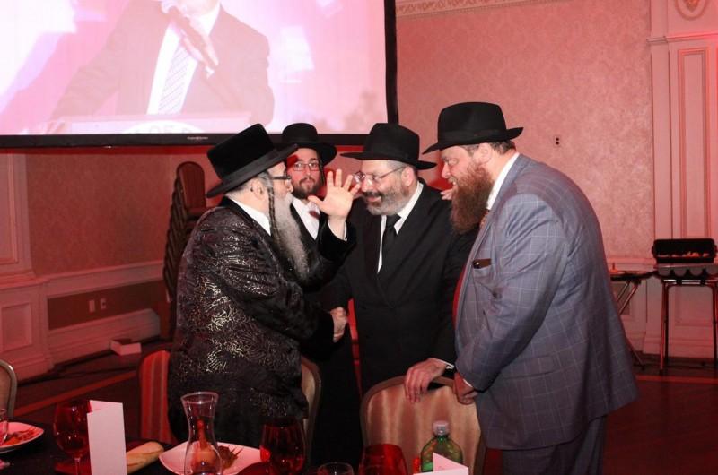 אמש: במונסי הוקירו את ארגון 'חברים' - ומי היו אורחי הכבוד?