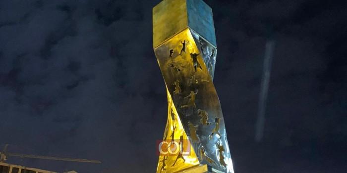בניית והתקנת האנדרטה לזכר גיבורי מצור לנינגרד - בירושלים • צפו (צילום: בית המלאכה אדם סטיל)