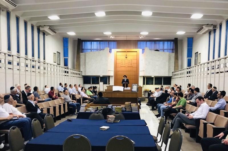 יחד עם חברי קהילתו: שליח הרבי בברזיל סיים את הש