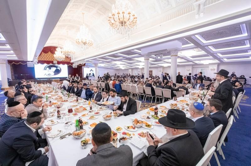 הרב לאזאר הכריז: ארבעה בתי חב