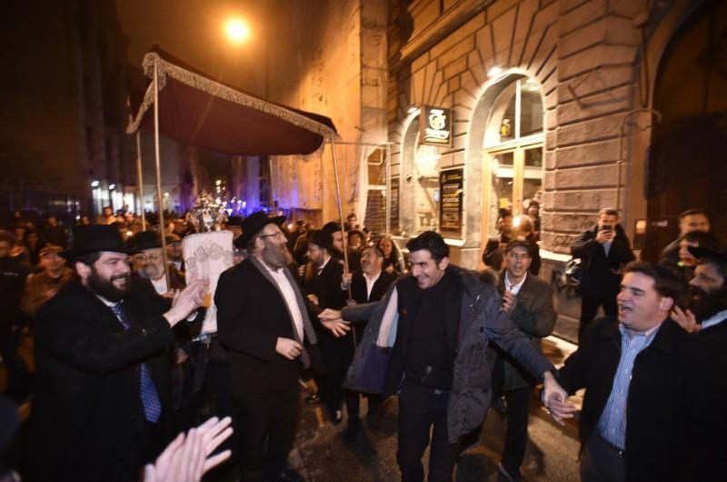 הונגריה: המשטרה סגרה את רחובות בודפשט לכבוד ס
