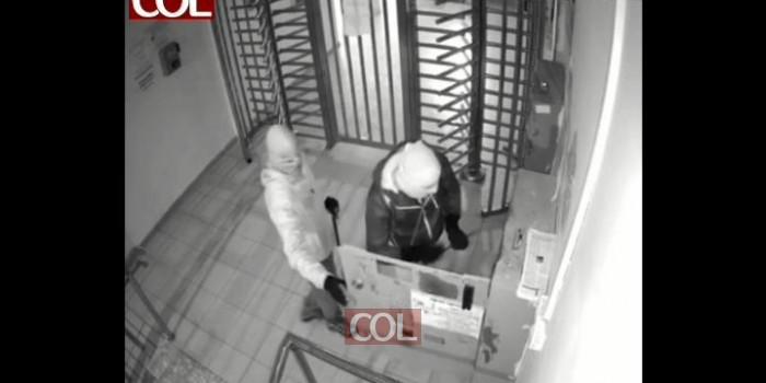 צפו: זוג גנבים מנסים לפרוץ את כספת המקוה המרכזי בכפר חב