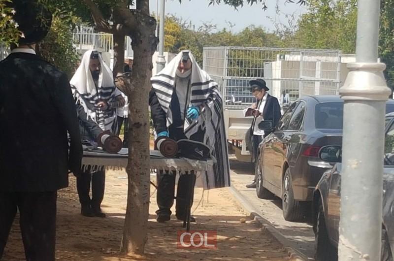 גבאי קורונה, סידור מהבית: זהו המתווה לפתיחת בתי הכנסת